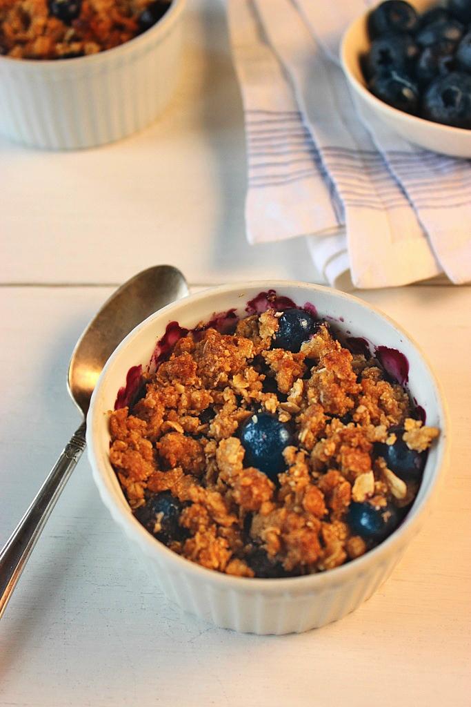 gluten-free-blueberry-crumble