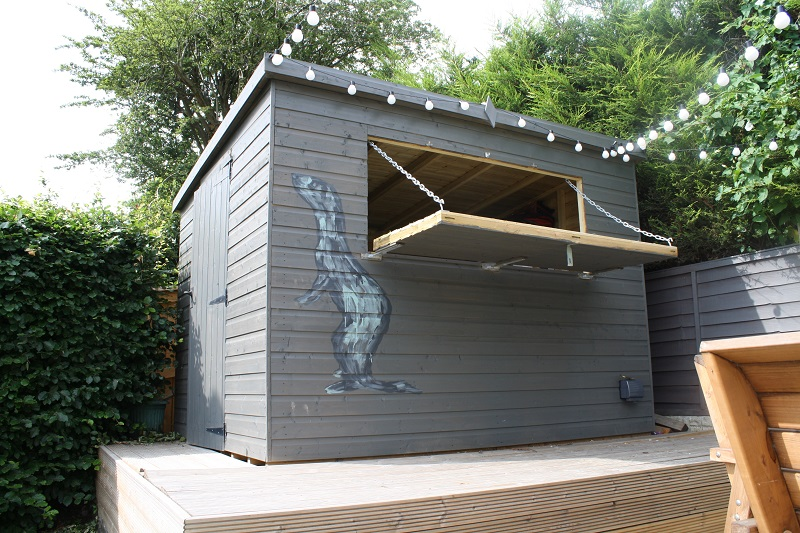 Ian M's shed with personalised design