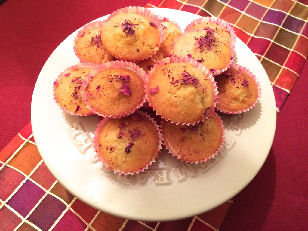 Mini Lemon Drizzle Cakes with Edible Flowers - Miss Pond_zpsplfs96mo