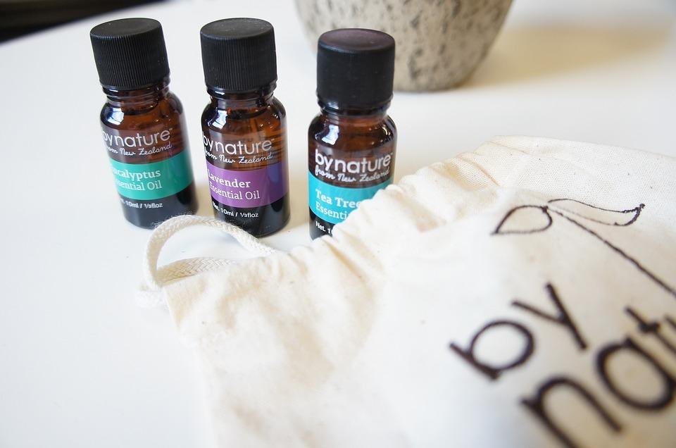 essential-oils-1508923_960_720