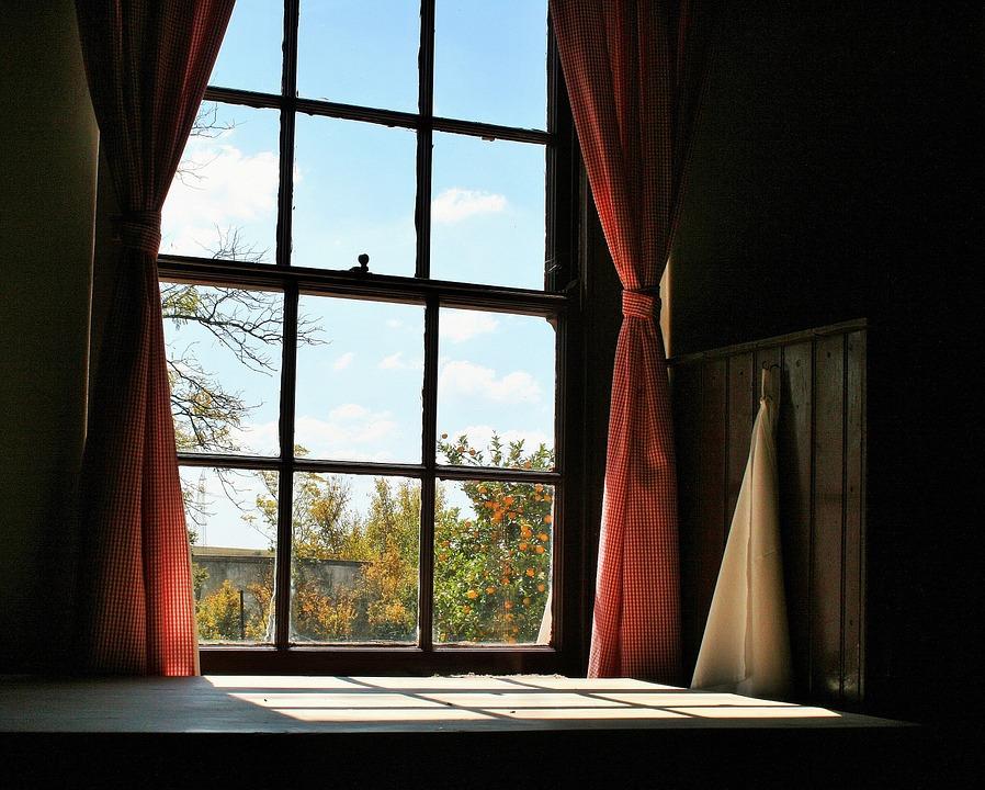 farmhouse-window-664906_960_720