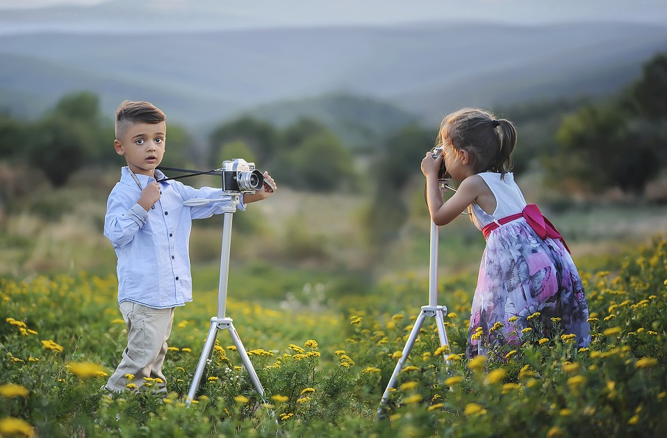 Children understand there is more than one way to do something from the outdoors.