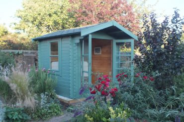 The Panthera Log Cabin from Tiger Sheds