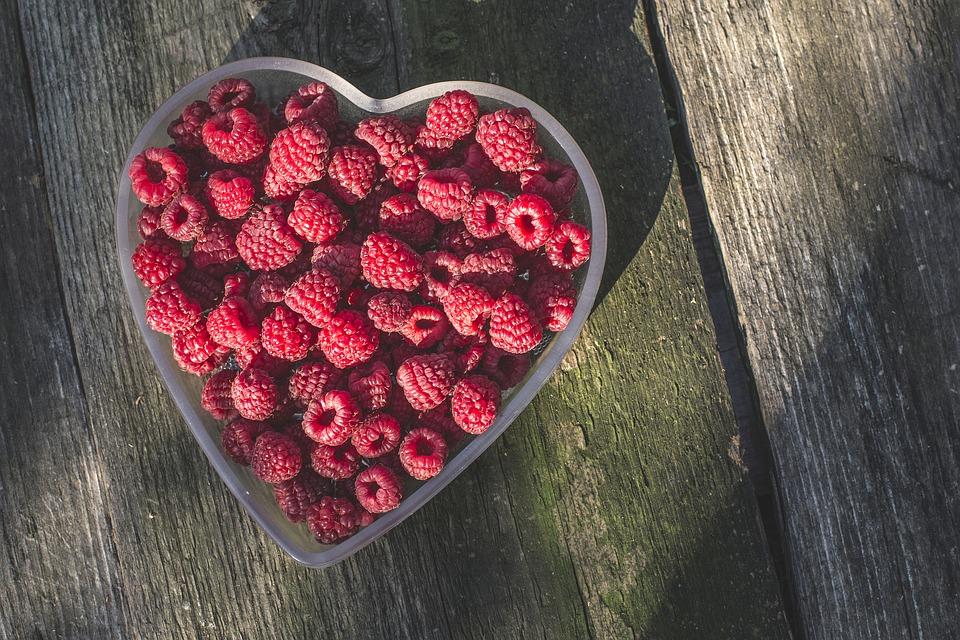 raspberries-1208146_960_720
