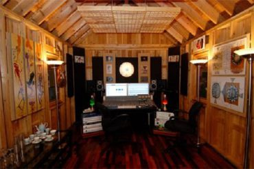 Shed studio soundproofed